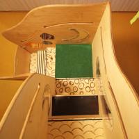 Treppenstufen mit unterschiedlicher Haptik durch verschiedene Materialien und Fräsungen