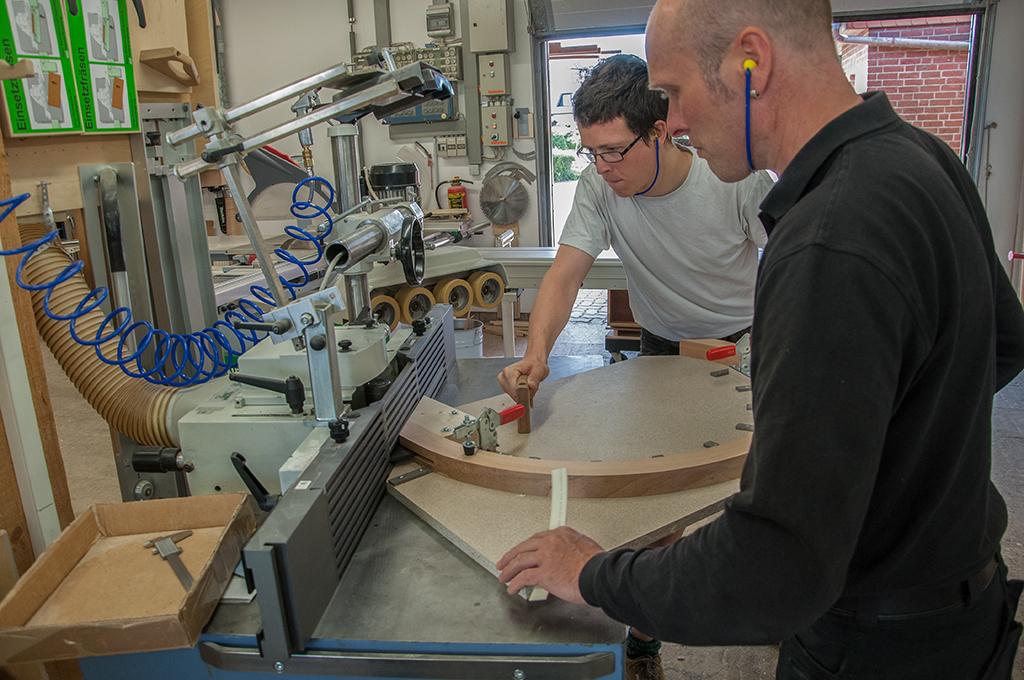 Fräsen einer Schlitz-Zapfen Holzverbindung