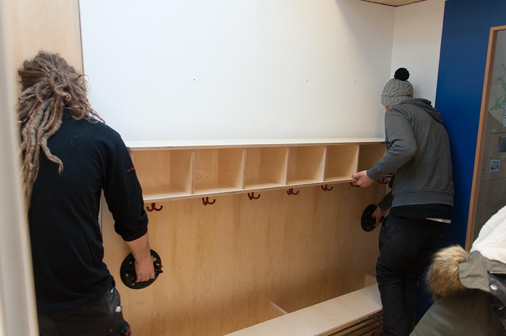 Garderobe montieren