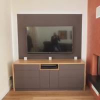 HIFI-Möbel in Eiche, Linoleum und LED hinterleuchtung.