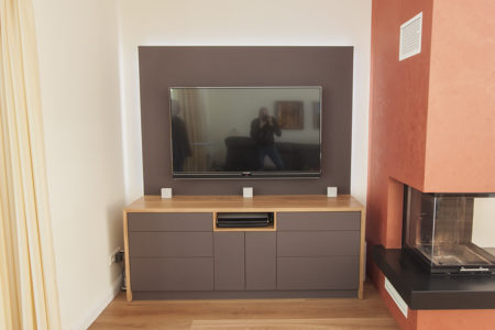 HIFI-Möbel in Eiche und Linoleum