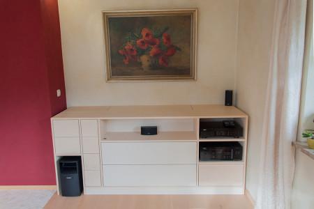 Hifi-Möbel mit TV-Lift in Ahorn und Linoleum