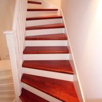 Treppe aus Kirschbaum