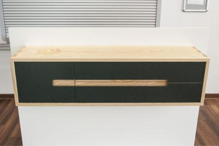 Sideboard in Esche und Linoleum – Gesellenstück...