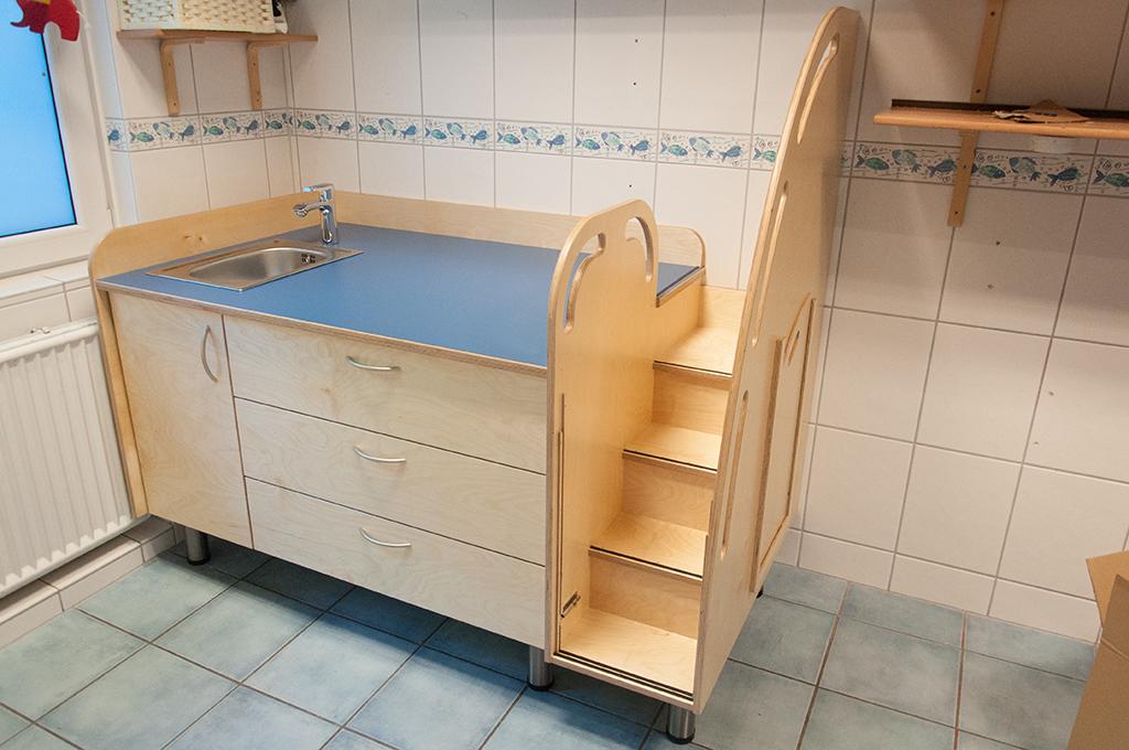wickeltisch with wickeltisch affordable with wickeltisch auszug fr den windeleimer. Black Bedroom Furniture Sets. Home Design Ideas