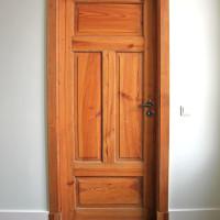 Massive Zimmertür aus Vollholz