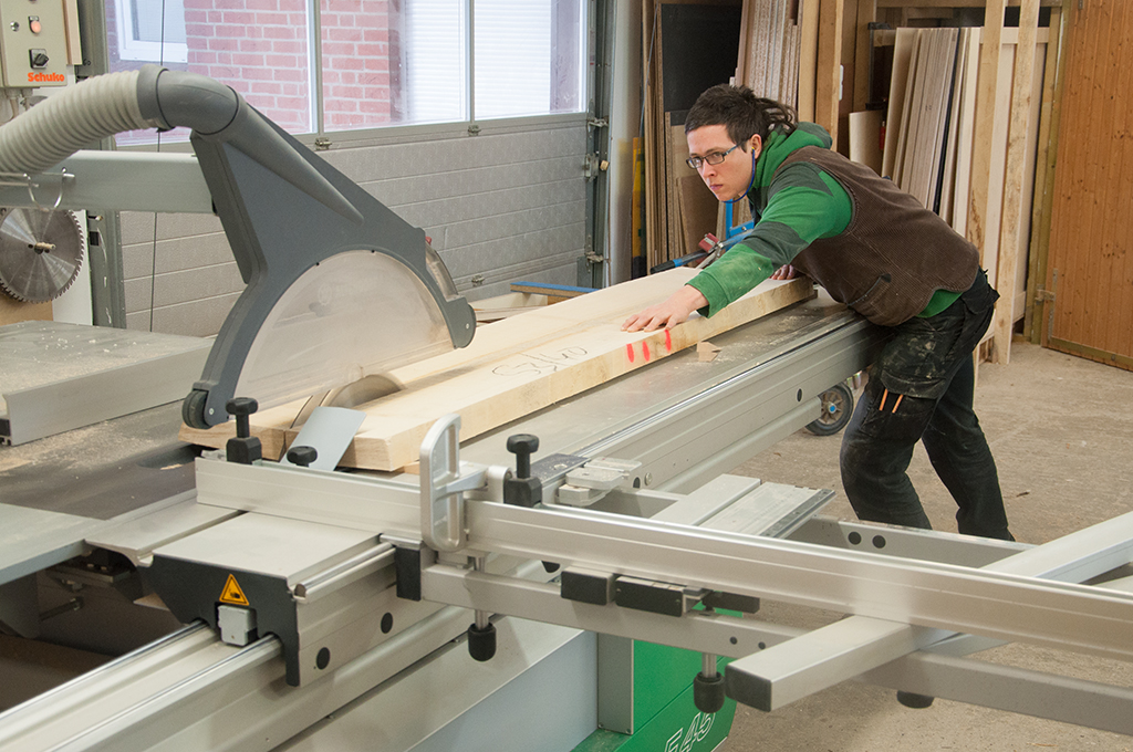 Auftrennen einer Ahornbohle zum Bau eines Bettes